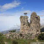 Ruine des Wehrturms der Vecka-Burg in Starigrad