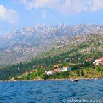 mit dem Kajak vor der Küste in Starigrad