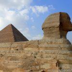der Sphinx mit Pyramide