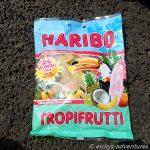 Am südlichsten Zipfel (keine Ahnung, ob wir nun exakt an der Stelle waren oder knapp daneben) hatten wir Lunch. Zum Nachtisch gab es von dem Süßwarenhersteller aus Bonn Tropi Frutti Hawaii-Edition.